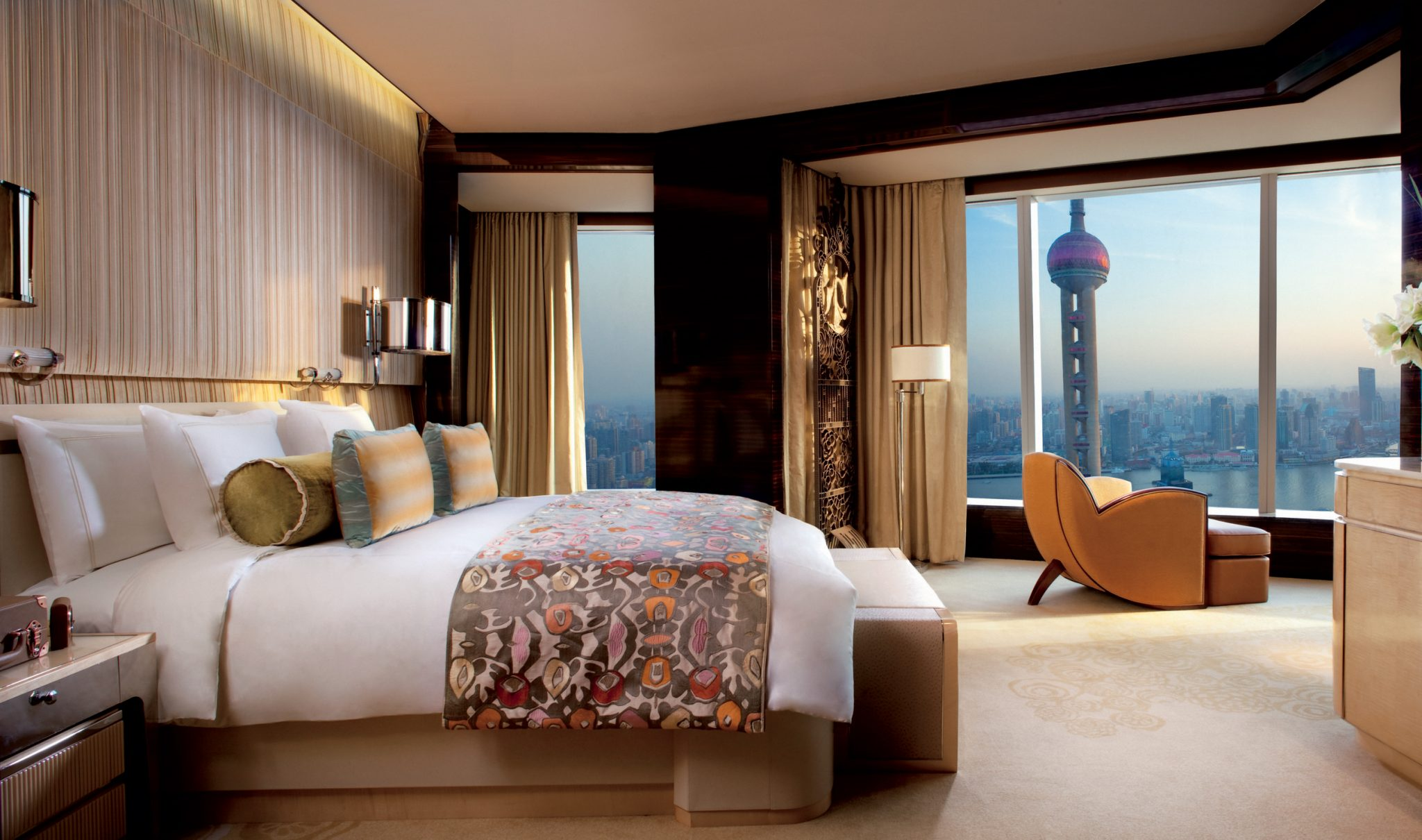 Top 10 hotel chains for business travelers for Design hotel chain