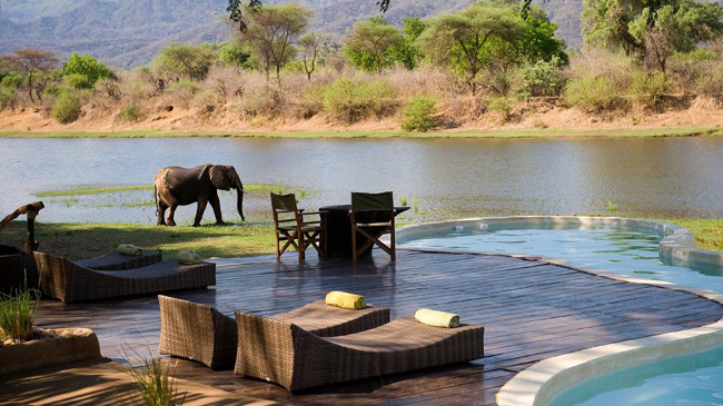 13-Amazing-Pools-chongwe-river-house-pool-zambia-africa