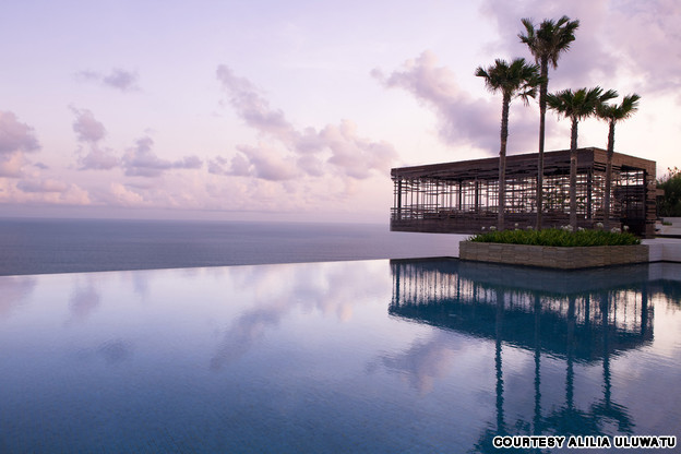 17-Amazing-Pools-alila-uluwatu-resort-bali-indonesia