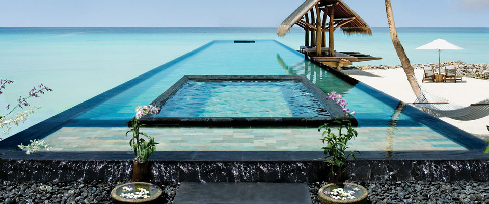 19-Amazing-Pools-spa-pool-ocean-reethi-rah-one-only-resort-inmaldives