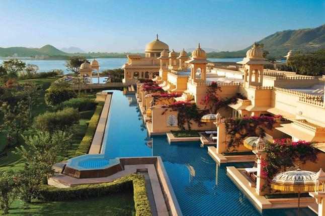 21-Amazing-Pools-the-oberoi-udaivilas-pool-udaipur-india