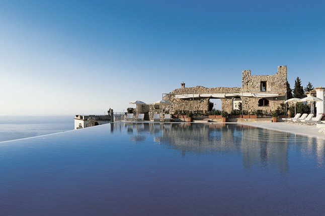 22-Amazing-Pools-infinity-pool-hotel-caruso-italy-amalfi-coast