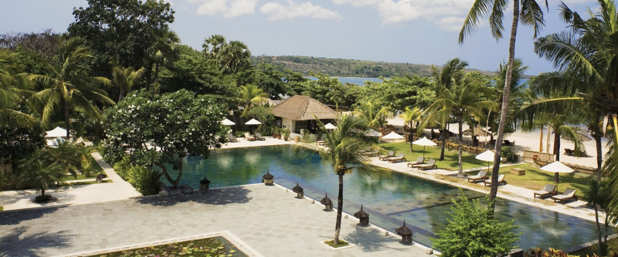 3-Amazing-Pools-Belmond-Jumbaran-Puri-Resort-Bali-Indonesia