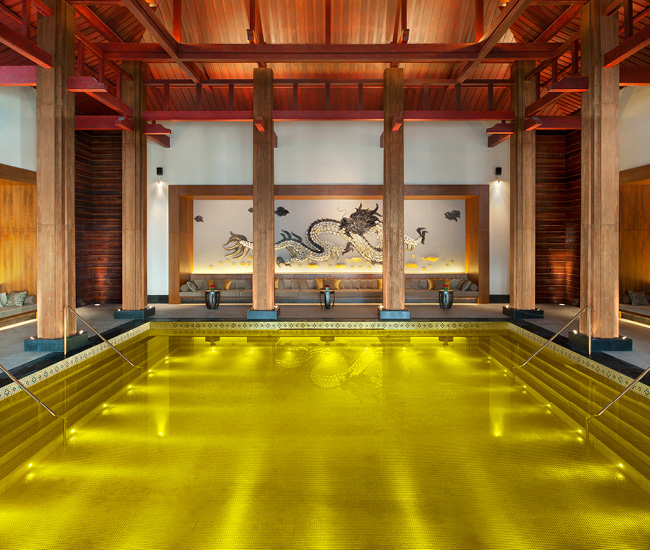 5-Amazing-Pools-Gold-Energy-Llhas-Tibet