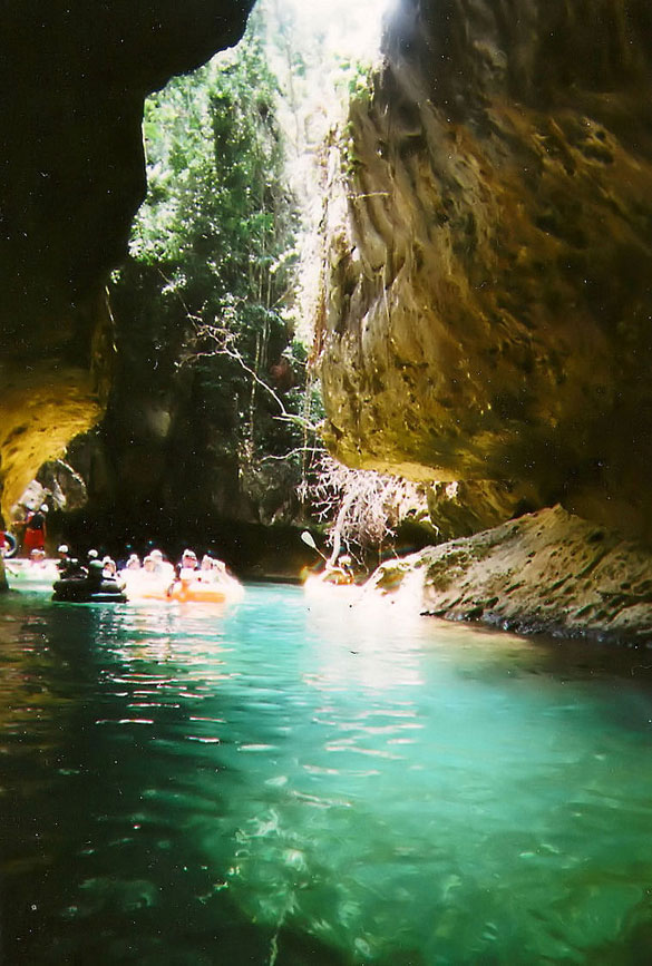 exciting-things-belize-10-cave-tubing-belize