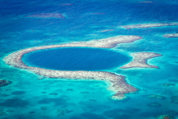 exciting-things-belize-4-great-blue-hole-of-the-coast-of-Belize