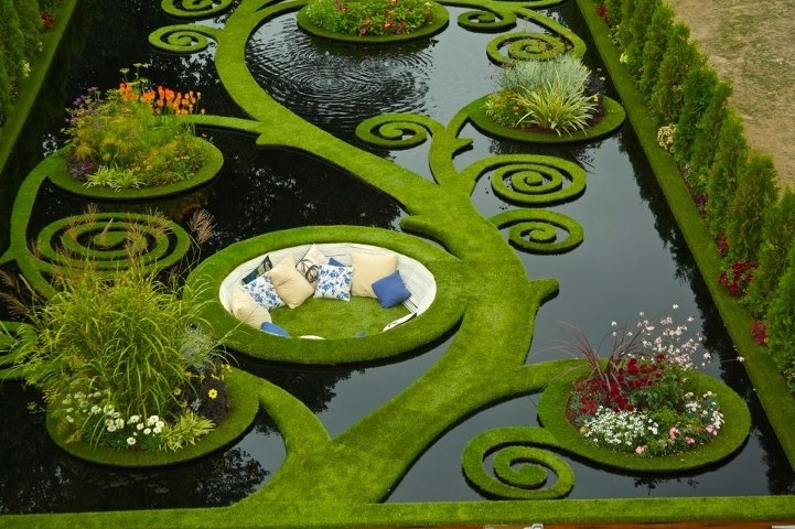 stackliving-places-to-travel-1-New-Zealand-sunken-alcove-garden
