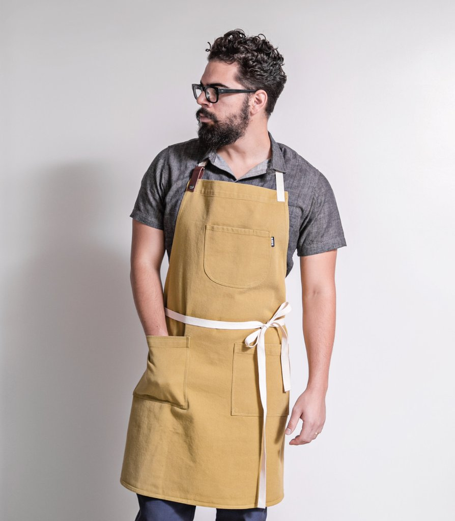 THE AUTHENTIC CHEF APRONS grilling tools