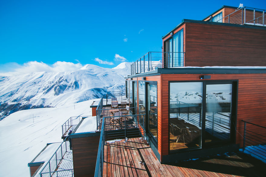 Hotel In The Mountains Built With Shipping Containers Looks So Amazing