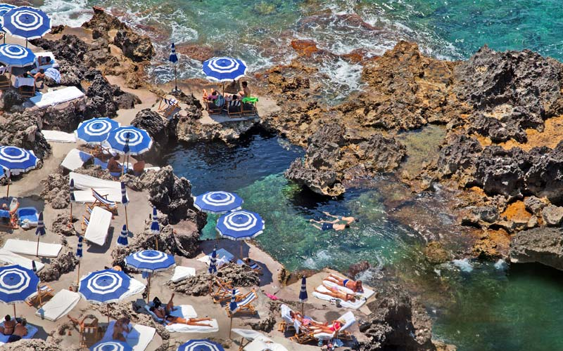 stackliving-beach-bars-fontelina-beach-club-capri-italy-01