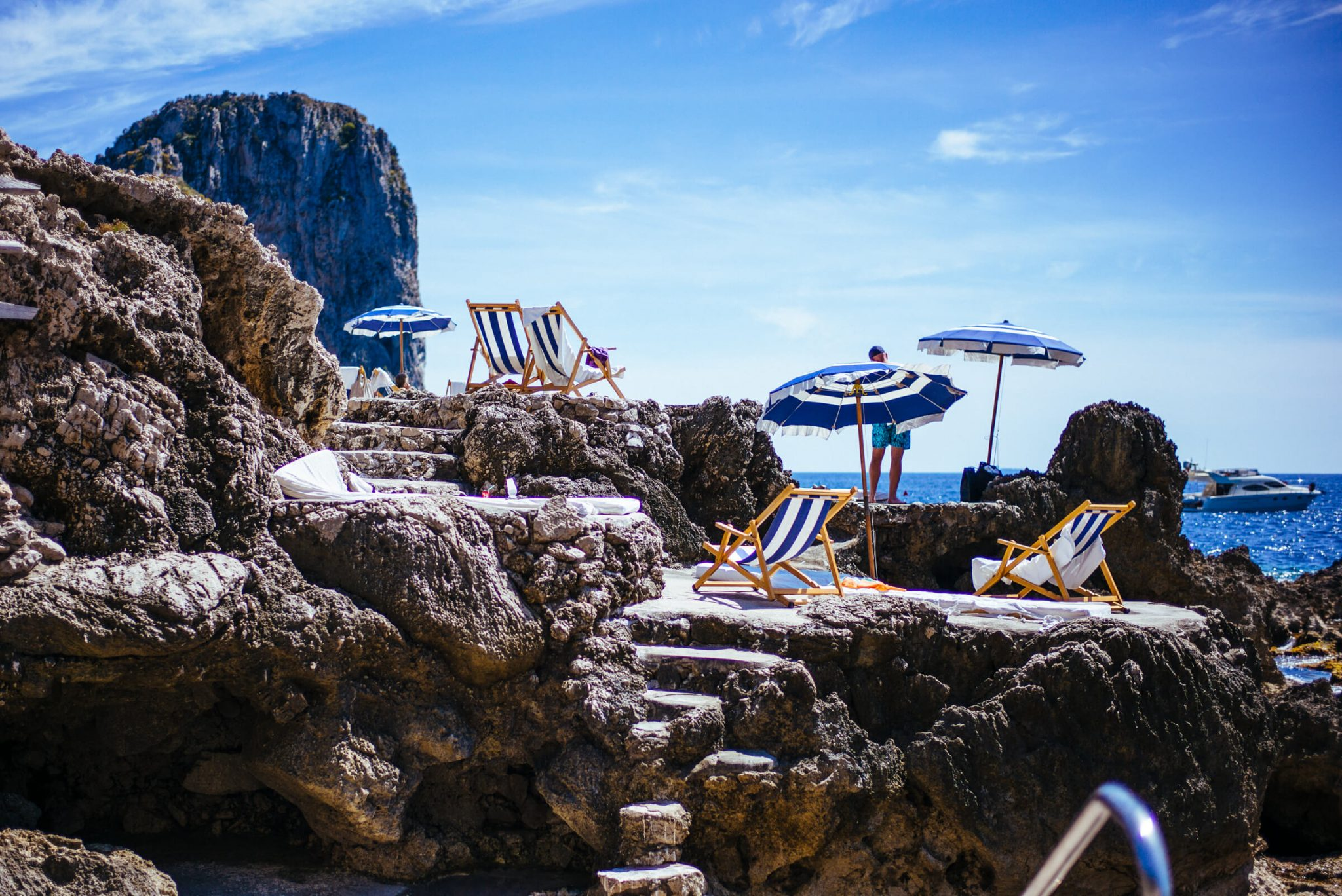 stackliving-beach-bars-fontelina-beach-club-capri-italy-04
