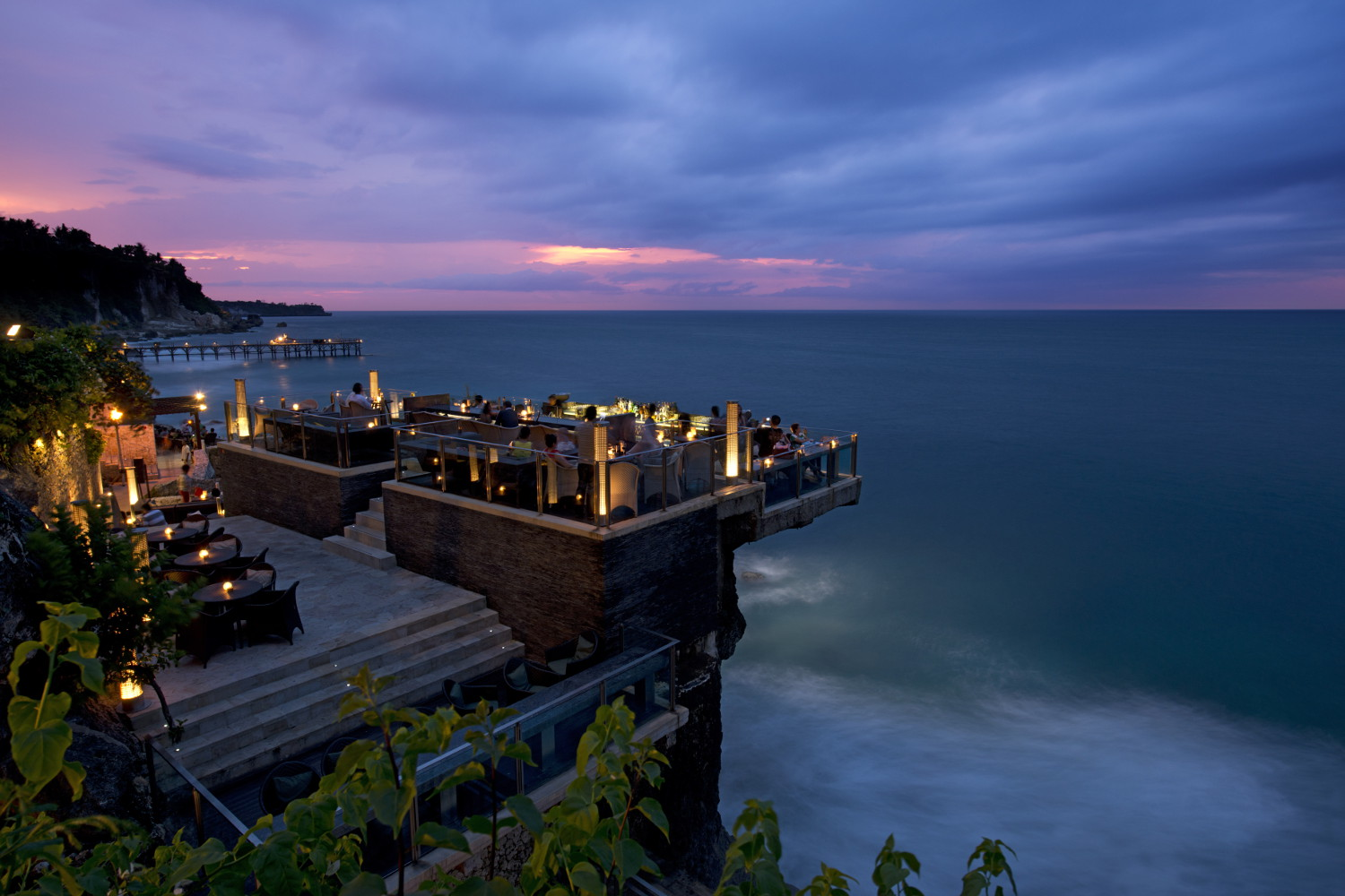 stackliving-beach-bars-rock-bar-bali-indonesia-01