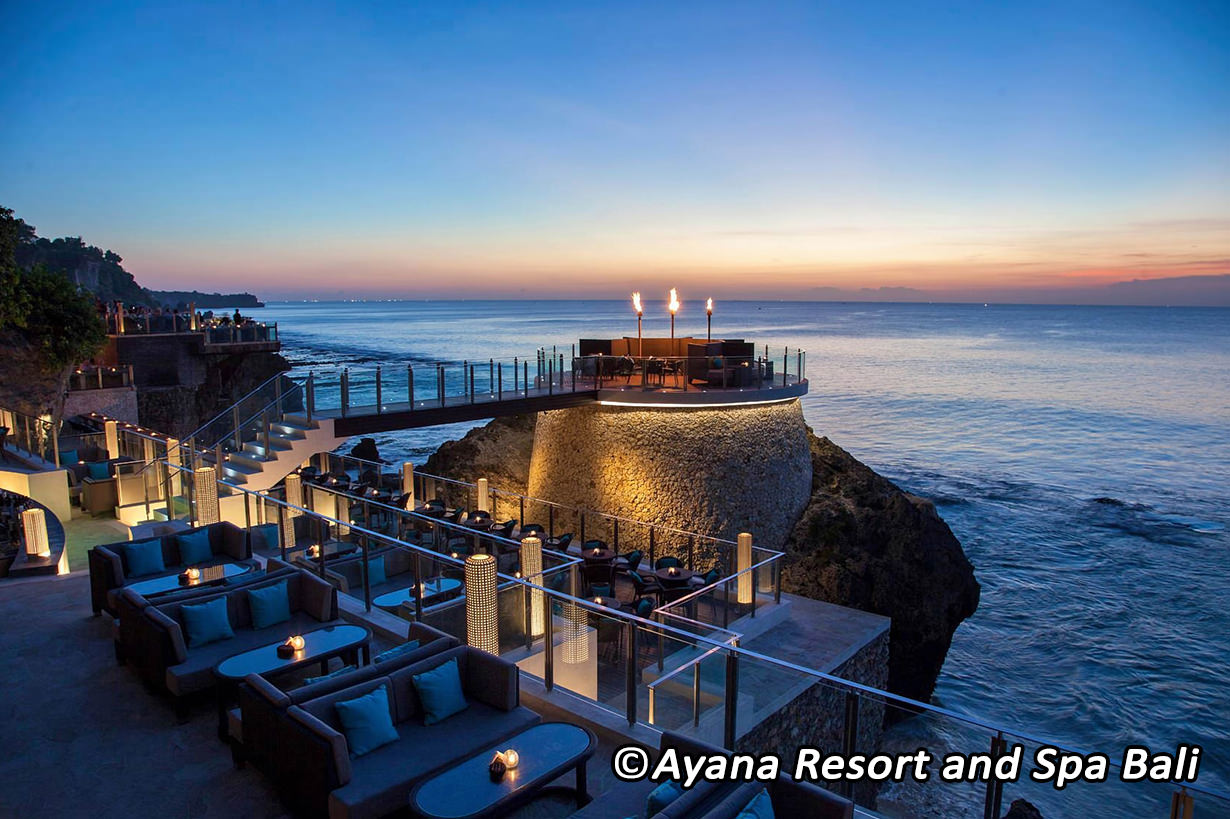 stackliving-beach-bars-rock-bar-bali-indonesia-03