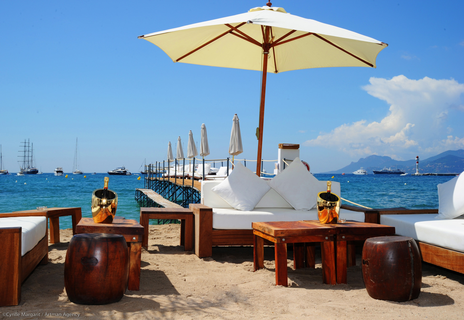 stackliving-beach-bars-z-plage-cannes-france-01