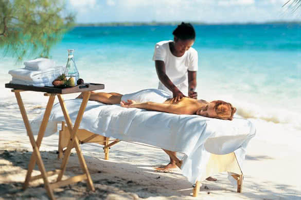 stackliving-exciting-things-boracay-island-philippines-01-Oceanside-Bahamian-Massages