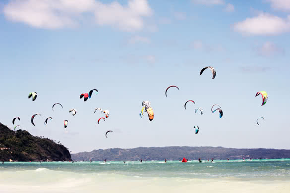 stackliving-exciting-things-boracay-island-philippines-04-boracay-kitesurfing