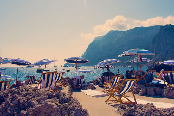 stackliving-gorgeous-beach-bars-world-07-Fontelina-Beach-Club-Capri