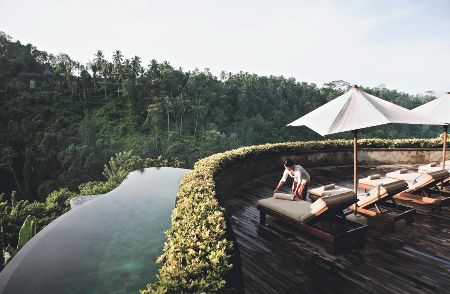 stackliving-most-beautiful-hotels-03-hanging-gardens-of-bali-05-relaxing