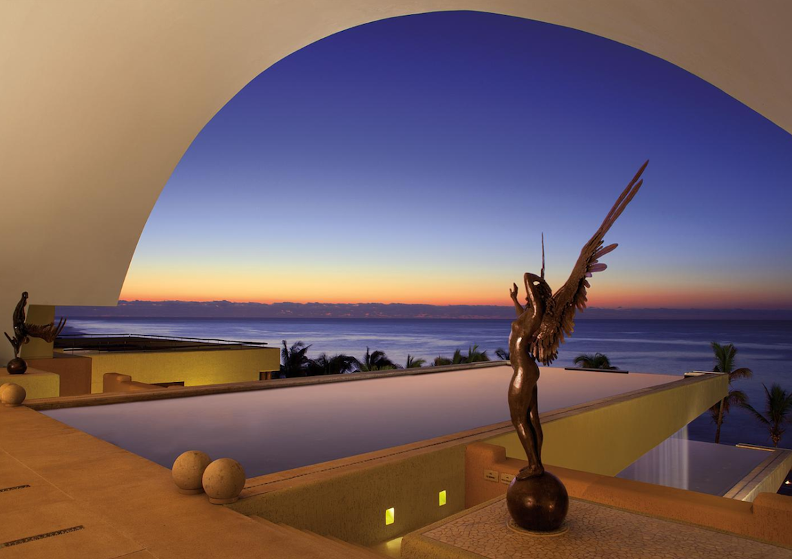 stackliving-most-beautiful-hotels-07-secrets-marquis-los-cabos-mexico-02