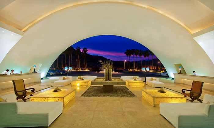 stackliving-most-beautiful-hotels-07-secrets-marquis-los-cabos-mexico-04