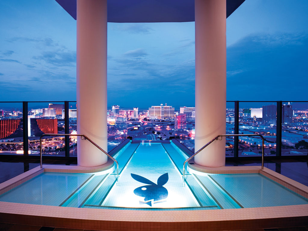 stackliving-most-beautiful-hotels-08-las-vegas-palms-nevada-01-infinity-pool